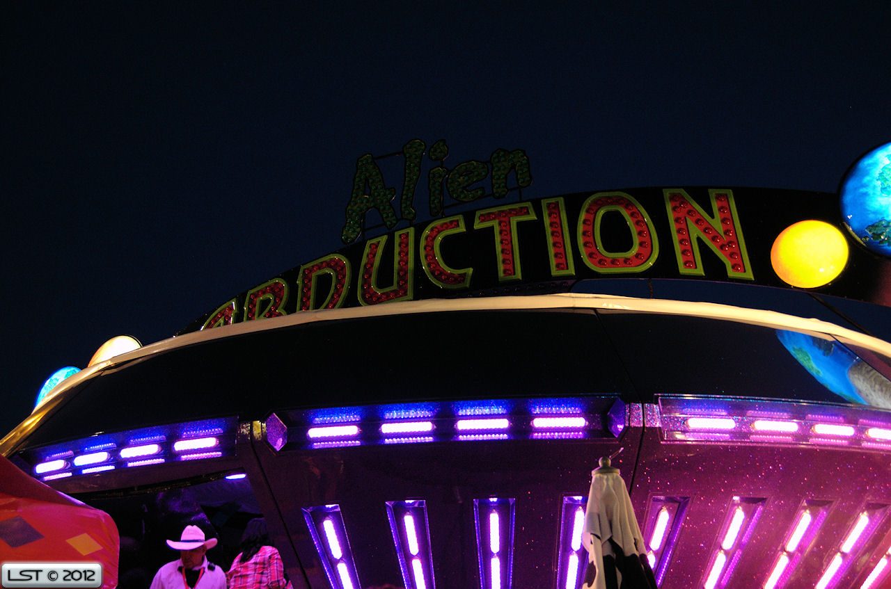 alien abduction ride - photo #11