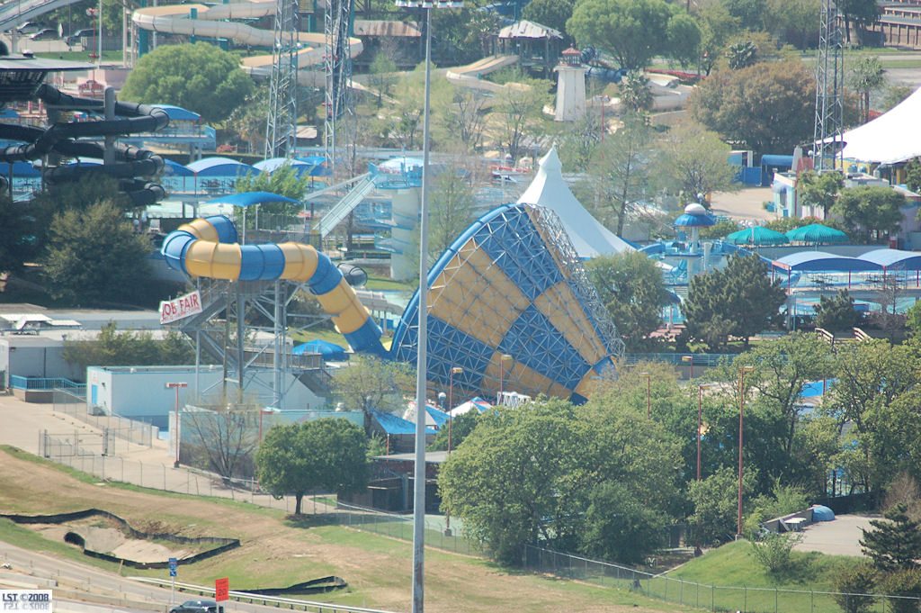 Six Flags Hurricane Harbor - Arlington